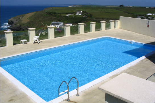 Block and liner swimming pool